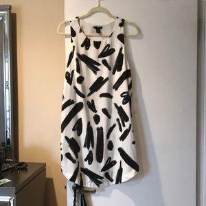 Super cute H&M printed dress